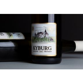 Riesling Kyburg: a elegant, traditional and exclusive wine label, made on Pantec RHINO E